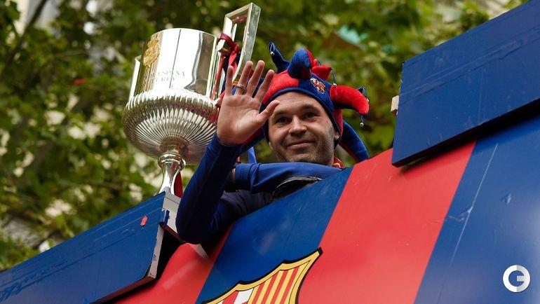 Понедельник. Барселона. Футбольный праздник на улицах города. Андрес ИНЬЕСТА.