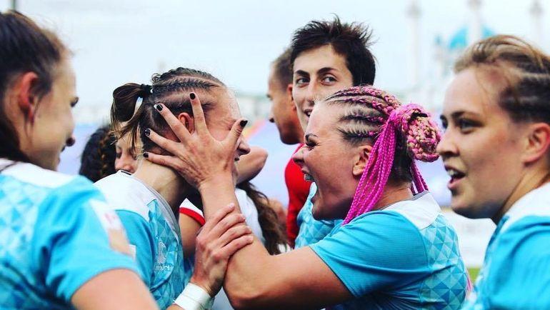 Алена МИХАЛЬЦОВА (вторая справа). Фото instagram.com/mikhaltsova/