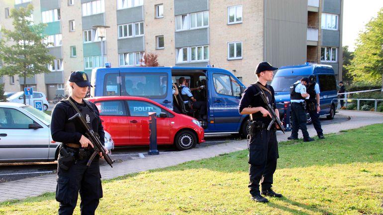 Сентябрь 2016 года. Христиания. Полицейские охраняют зону, в которой случился инцидент со стрельбой. Фото AFP