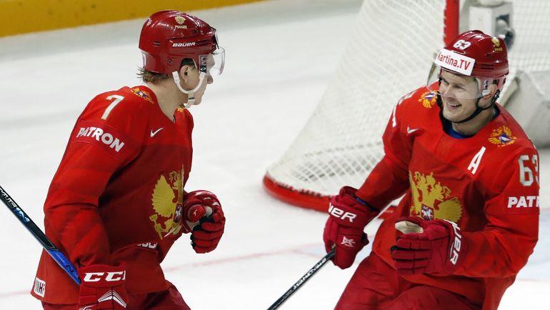 Евгений ДАДОНОВ (справа) и Кирилл КАПРИЗОВ. Фото REUTERS