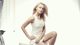 Мисс Белоруссия-2008 до сих пор в отличной форме - посмотрите сами. С кем придется работать Марадоне