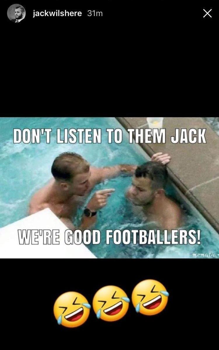Джек Уилшир пошутил над собой и Хартом из-за непопадания в сборную.