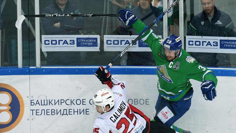 Илья ЗУБОВ (справа). Фото Владимир БЕЗЗУБОВ, photo.khl.ru