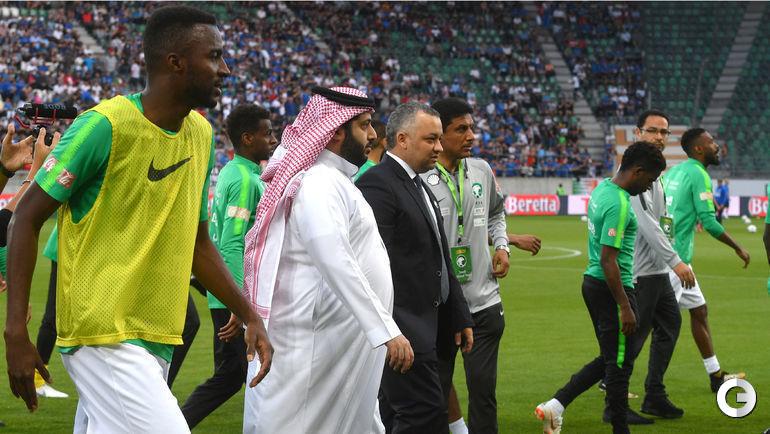 Понедельник. Санкт-Галлен. Италия - Саудовская Аравия - 2:1. Турки Аль Аш-Шейх на поле.