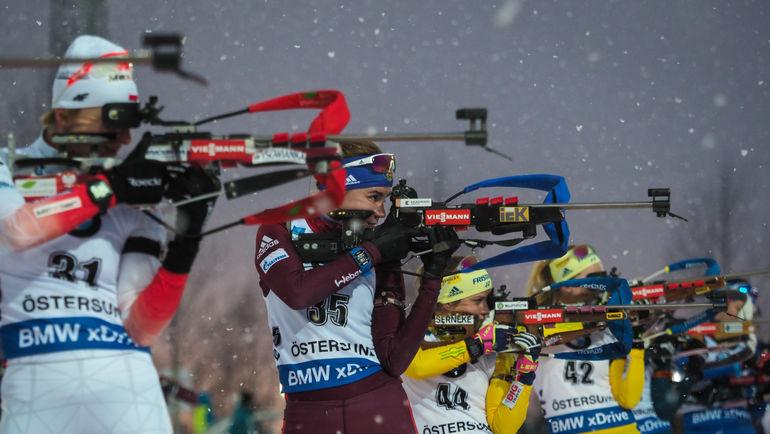 Виктория СЛИВКО (вторая слева) - вне основной обоймы. Фото Андрей АНОСОВ, СБР