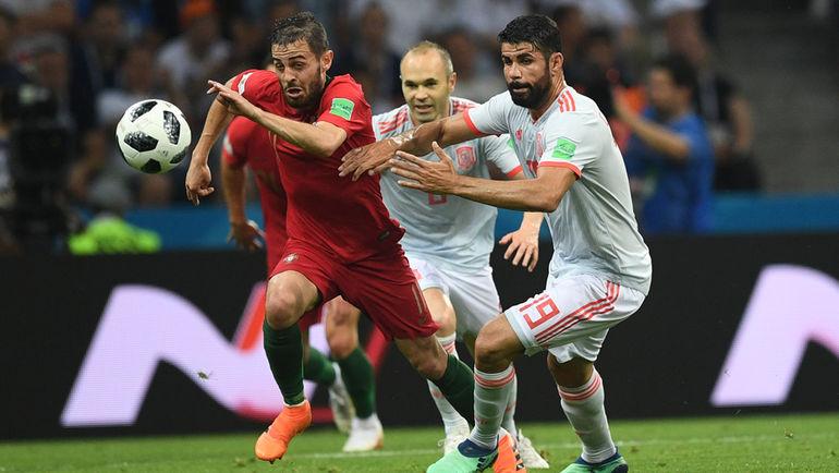 """Пятница. Сочи. Португалия - Испания - 3:3. ДИЕГУ КОСТА (справа). Фото Дарья ИСАЕВА, """"СЭ"""""""
