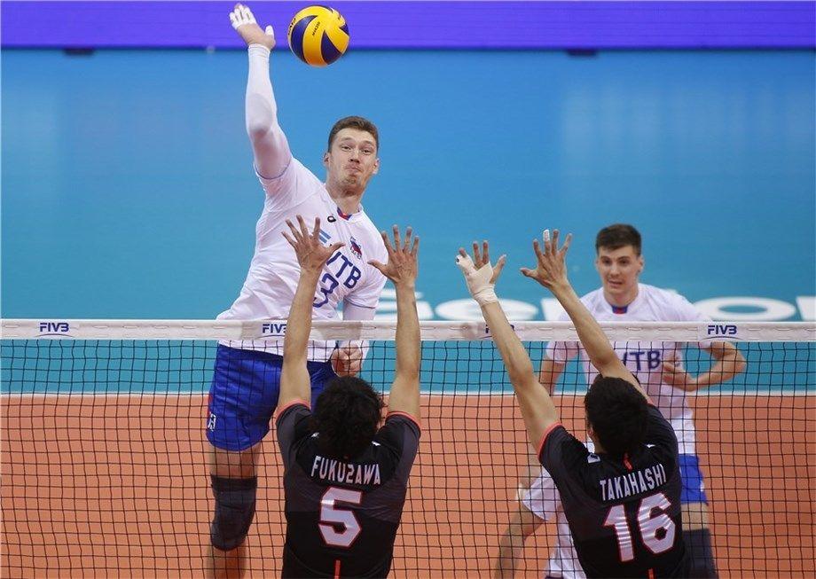 Мусэрский опять в диагонали. Российские волейболисты обыграли Японию