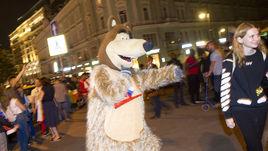 Медведь на улице. Как Москва отметила победу сборной России над Египтом