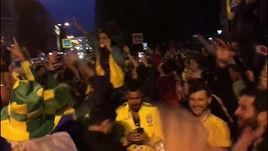 Несколько сотен человек встретили Бразилию в Петербурге