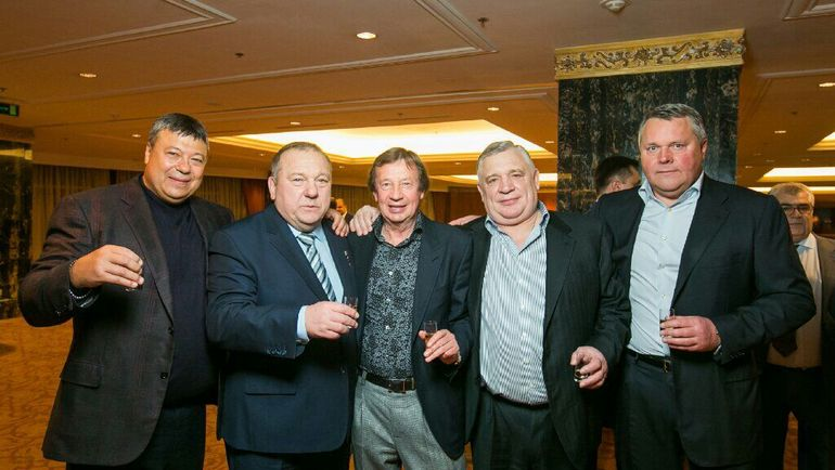 Юрий Семин с членами солнцевской организованной преступной группы. Фото The Insider