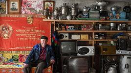 Ленин, футбол и трактор из деревни Анненково