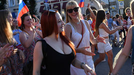 Самые красивые девушки Самары желают победы сборной России
