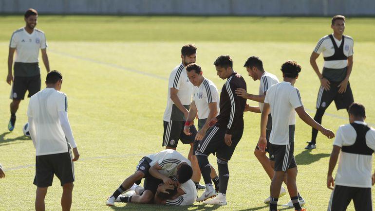 Сборная Мексики выйдет в плей-офф, если не проиграет Швеции. Фото REUTERS