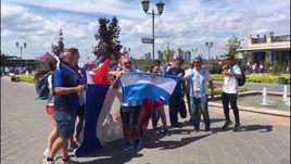 Болельщики Аргентины и Франции вместе поют