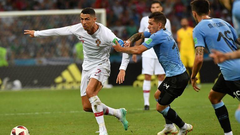 Суббота. Сочи. Уругвай - Португалия - 2:1. КРИШТИАНУ РОНАЛДУ (слева) покидает ЧМ-2018. Фото AFP