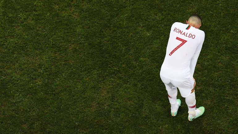 Суббота. Сочи. Уругвай - Португалия - 2:1. Разочарование КРИШТИАНУ РОНАЛДУ,  которыйвслед за Лионелем Месси покидает Россию уже после 1/8 финала. Фото AFP