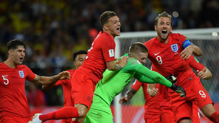 "Вторник. Москва. Тушино. Колумбия - Англия - 1:1, пенальти - 3:4. Футболисты сборной Англии празднуют победу. Фото Александр ФЕДОРОВ, ""СЭ"""