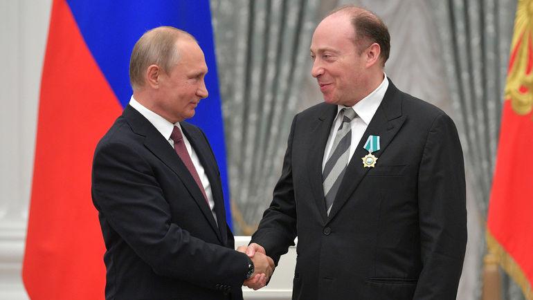 27 июня Президент России Владимир ПУТИН вручил Вячеславу АМИНОВУ орден Дружбы за успехи в развитии современного пятиборья.