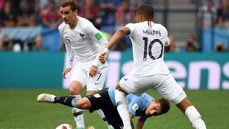 Сегодня. Нижний Новгород. Уругвай - Франция - 0:2. Сборная Франции вышла в полуфинал ЧМ-2018. Фото AFP