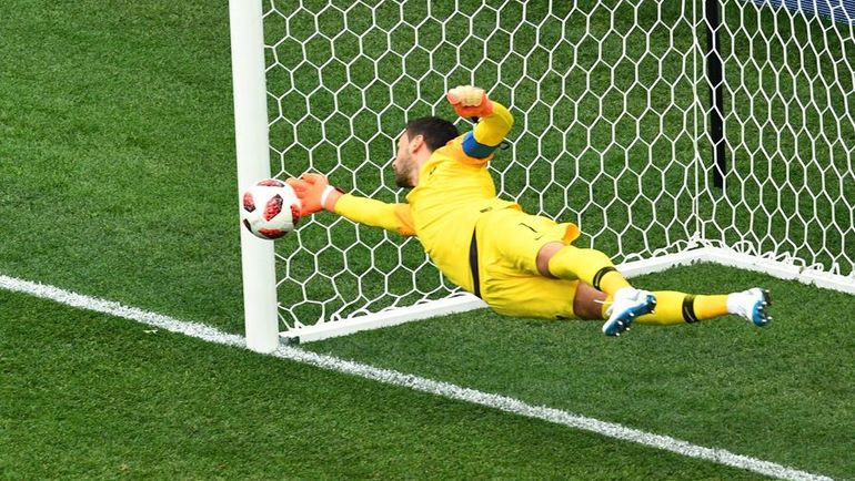 Сегодня. Нижний Новгород. Уругвай – Франция – 0:2. Сейв в исполнении Юго ЛЛОРИСА. Фото AFP