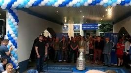 Овечкин привез Кубок Стэнли на базу родного