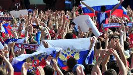 Болельщики и сборная спели гимн России!