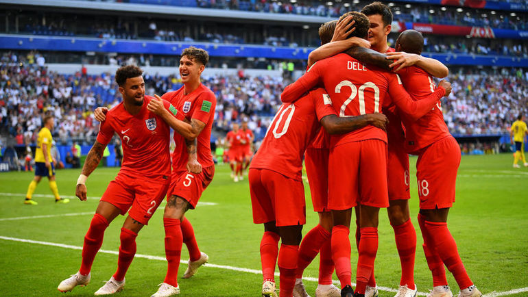 7 июля. Самара. Швеция - Англия - 0:2. Англичане празднуют победу и выход в полуфинал чемпионата мира. Фото REUTERS