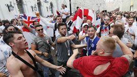 Англия - Хорватия: что вытворяют фанаты в Москве