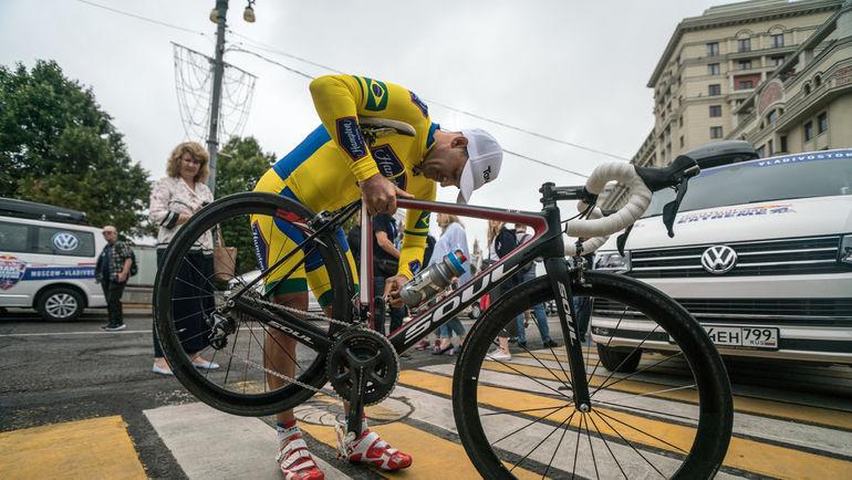 На старт велогонки вышли 6 атлетов из 6 стран с 3 континентов.