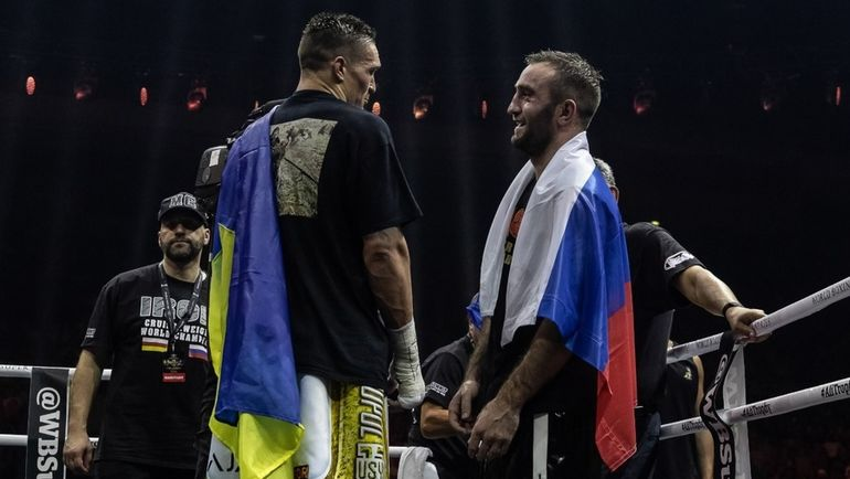 Александр УСИК и Мурат ГАССИЕВ. Фото twitter.com/WBSuperSeries