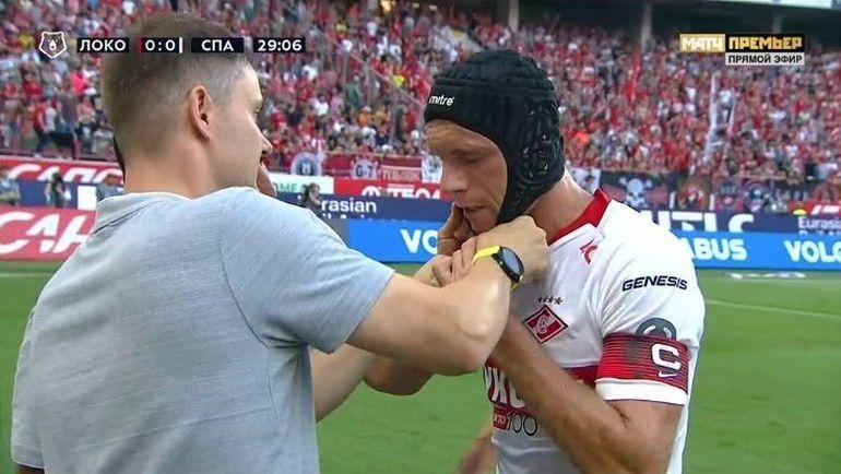 Денис ГЛУШАКОВ в шлеме.
