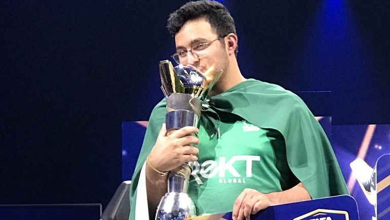 Чемпион FIFA eWorld Cup. Фото EA Sports