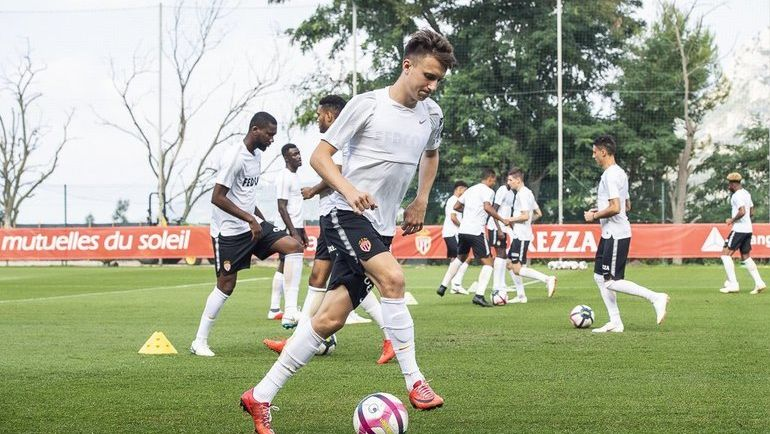 "Александр ГОЛОВИН на тренировке в ""Монако"". Фото twitter.com/AS_Monaco"