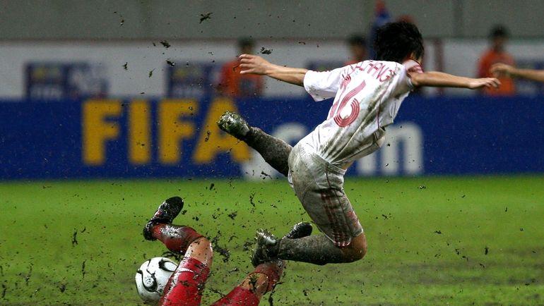"""Драка в футболе: грязная игра. Фото Александр ФЕДОРОВ, """"СЭ"""""""