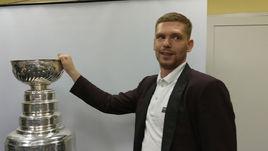 Кузнецов показал Челябинску Кубок Стэнли. Как это было