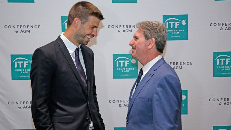 Теннисный реформатор от футбола Жерар ПИКЕ (слева) и президент ITF Дэвид ХЭГГЕРТИ. Фото AFP