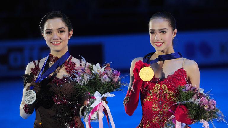 """Евгения МЕДВЕДЕВА и Алина ЗАГИТОВА. Фото Александр ФЕДОРОВ, """"СЭ"""""""