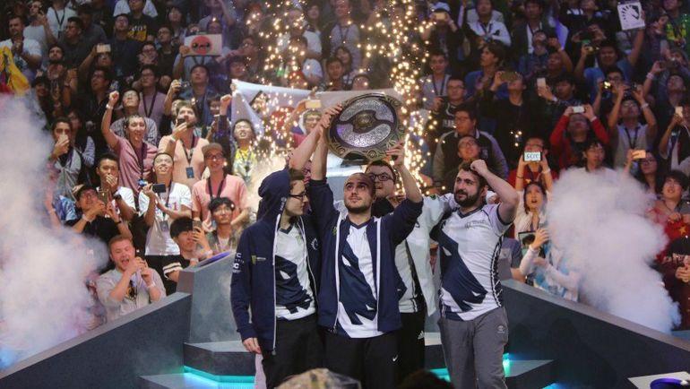 Team Liquid после победы на The International.