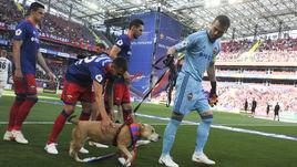 Акинфеев с собакой, Березуцкие в роли туристов