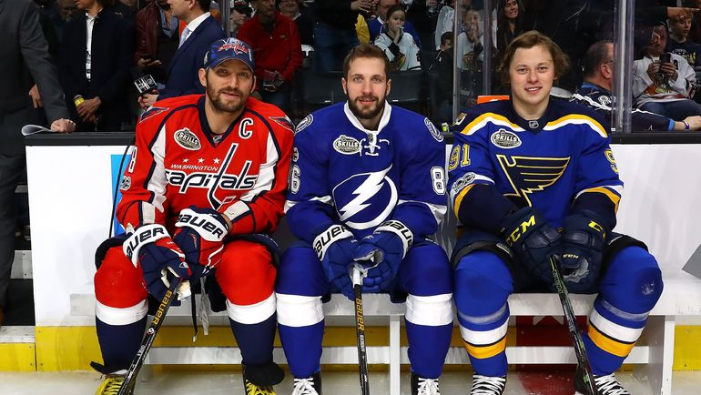 Александр ОВЕЧКИН, Никита КУЧЕРОВ и Владимир ТАРАСЕНКО. Фото AFP