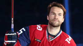 Канадцу, который мог стать звездой КХЛ, указали на дверь. Самый удивительный трансфер лета