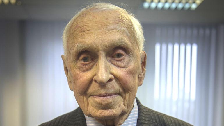 Михаил Михайлович Бобров.