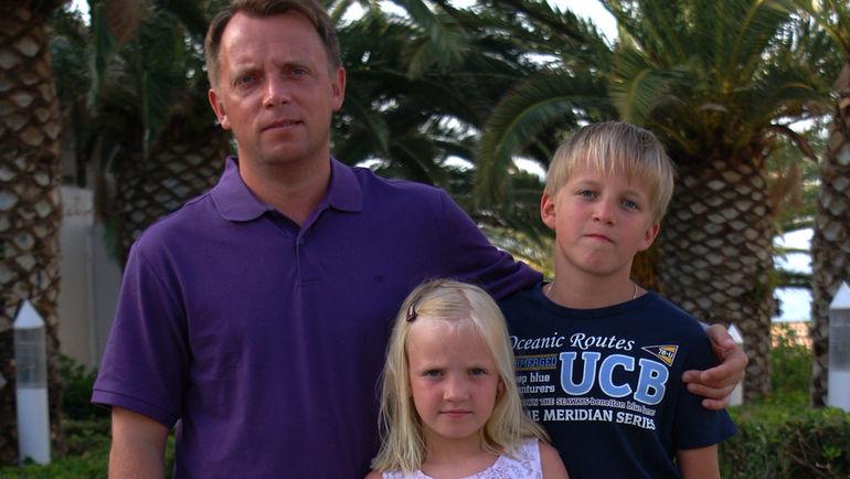 Владимир Петтай с сыном Матвеем и дочерью Дарьей. Фото Фото из личного архива семьи
