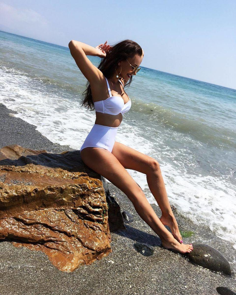 Жена российского футболиста Жиркова сводит с ума весь мир! Вы только посмотрите