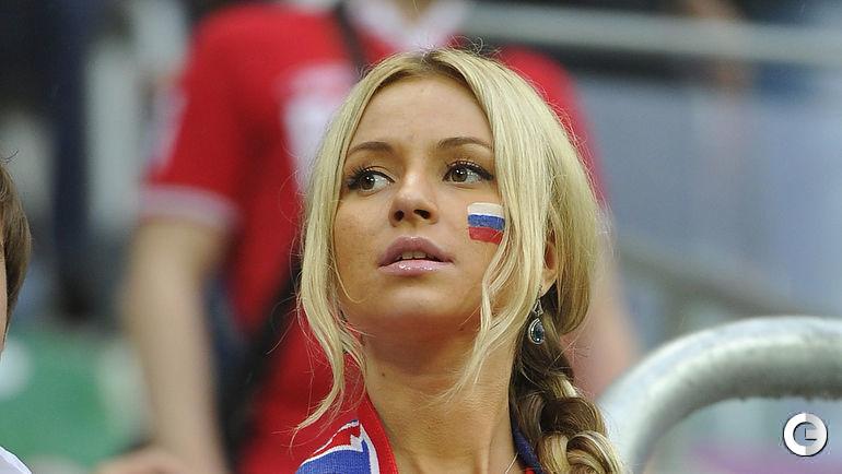 8 июня 2012 года. Вроцлав. Евро-2012. Чехия - Россия - 1:4. Российская болельщица на игре.