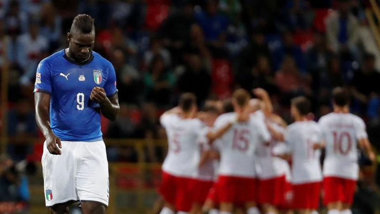 7 сентября. Болонья. Италия - Польша (1:1). Марио Балотелли после пропущенного гола. Фото REUTERS