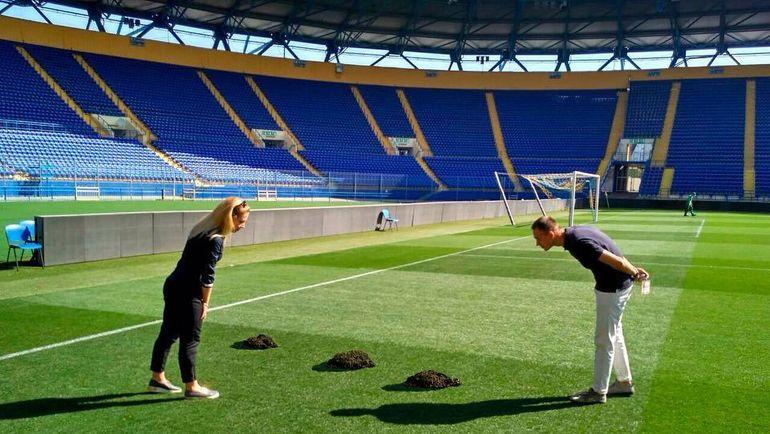 Кто испортил поле? Фото instagram.com/fcshakhtar/