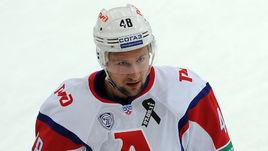 Скандального хоккеиста обвинили в краже 45 миллионов рублей. Он обещал за них биткоины
