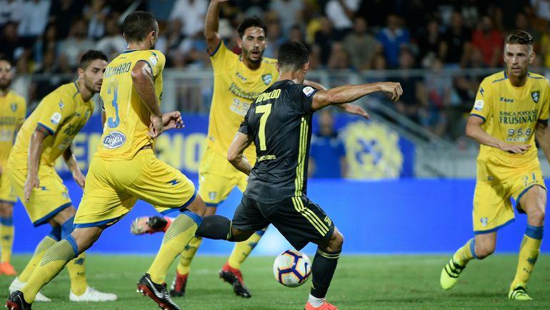 Роналду снова забил, а Неймар осчастливил ребенка