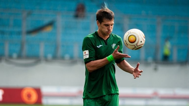 Судья срезал религиозную нить у игрока. Скандал в российском футболе
